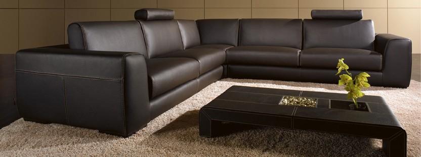 notre selection de salons classique cuir personnalisable sur univers du cuir. Black Bedroom Furniture Sets. Home Design Ideas