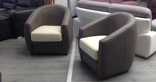 Asti fauteuil cabriolet cuirpersonnalisable sur univers du cuir - Petit fauteuil en cuir ...