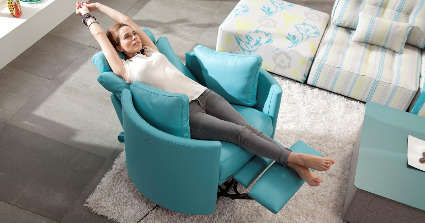 Moon fauteuil cuir relaxation manuel ou electrique - Fauteuil de salon relax ...