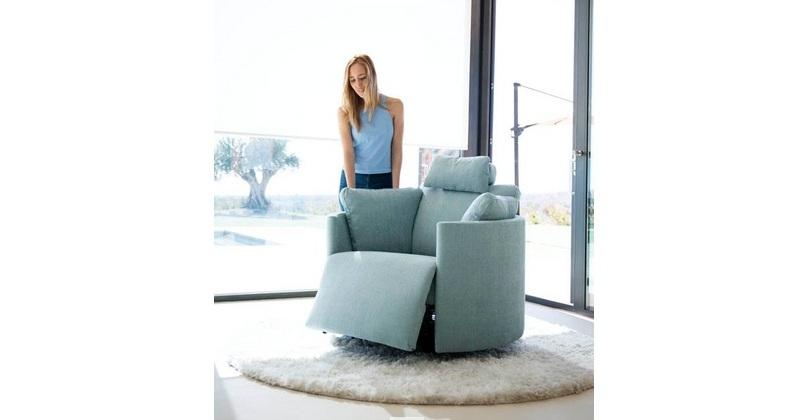 Moonrise fauteuil cuir relaxation electrique personnalisable sur univers du cuir - Fauteuil cuir electrique relaxation ...