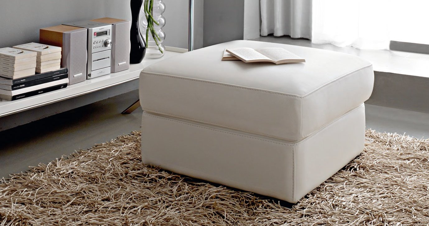 pouf carr roma personnalisables sur univers du cuir. Black Bedroom Furniture Sets. Home Design Ideas