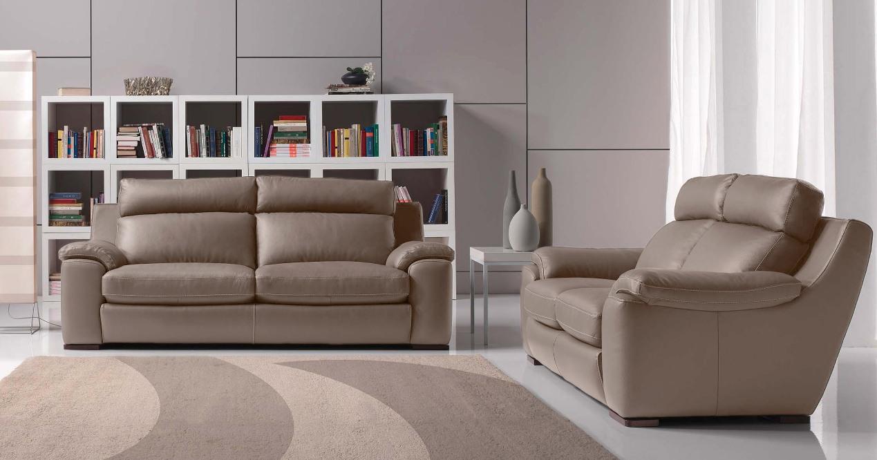 Salons moderne cuir confortable haut dossier sur univers for Ensemble salon moderne